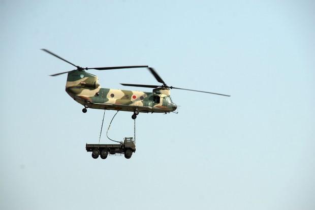 輸送ヘリコプター、トラック無料写真素材036