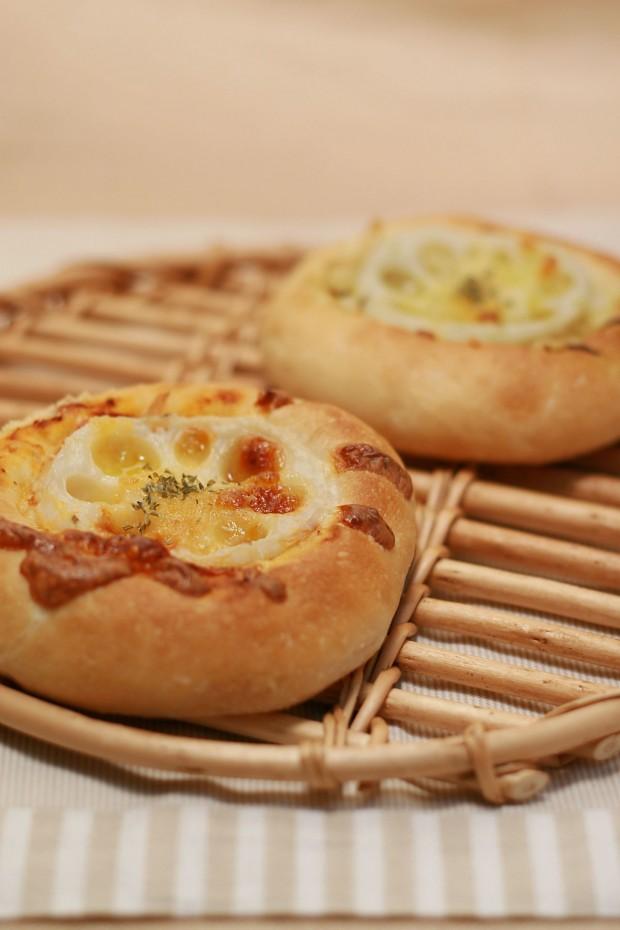 パン(れんこんチーズフォカッチャ)フリー写真素材002