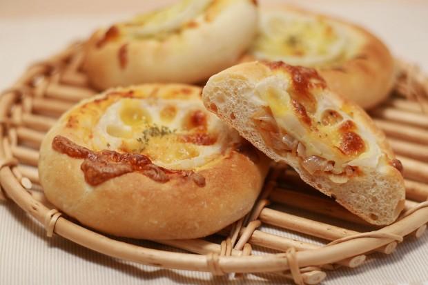 パン(れんこんチーズフォカッチャ)フリー写真素材007
