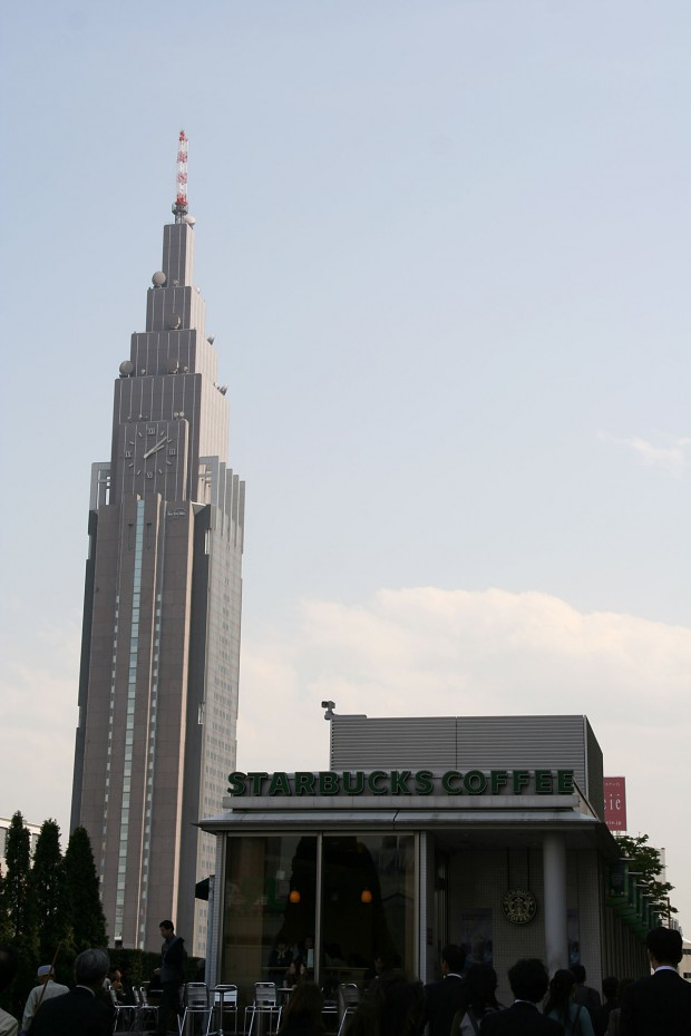 新宿南口(サザンテラス)フリー写真素材030