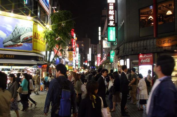 新宿東口・夜景、無料写真素材054