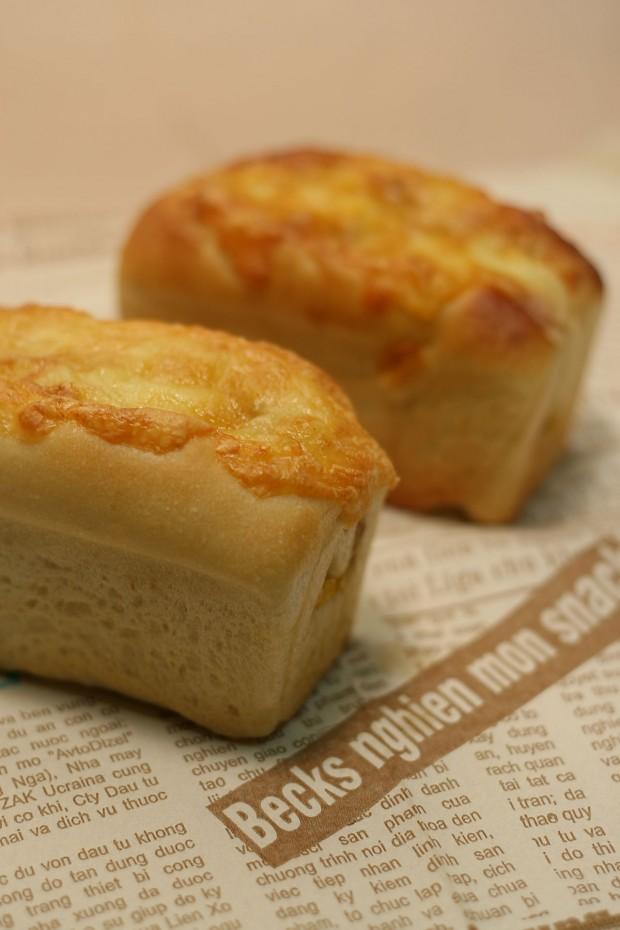パン(コーンチーズのミニ食)フリー写真素材040