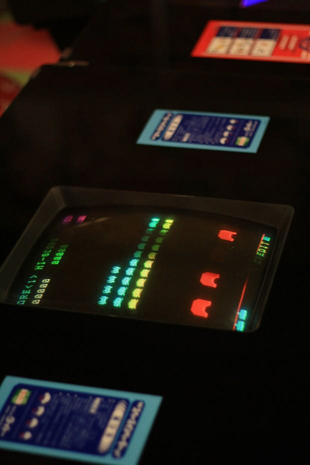 昭和のゲーム機(スペースインベーダー)フリー写真素材010