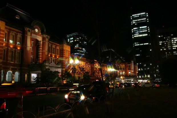 夜の東京駅フリー写真素材05