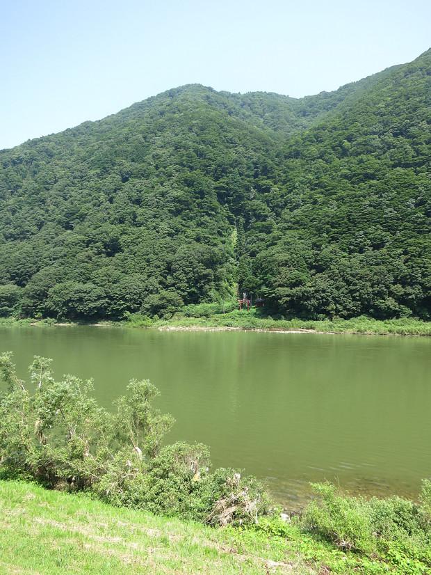 滝、森林(白色の滝)012