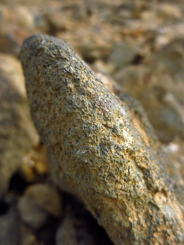 岩|石017