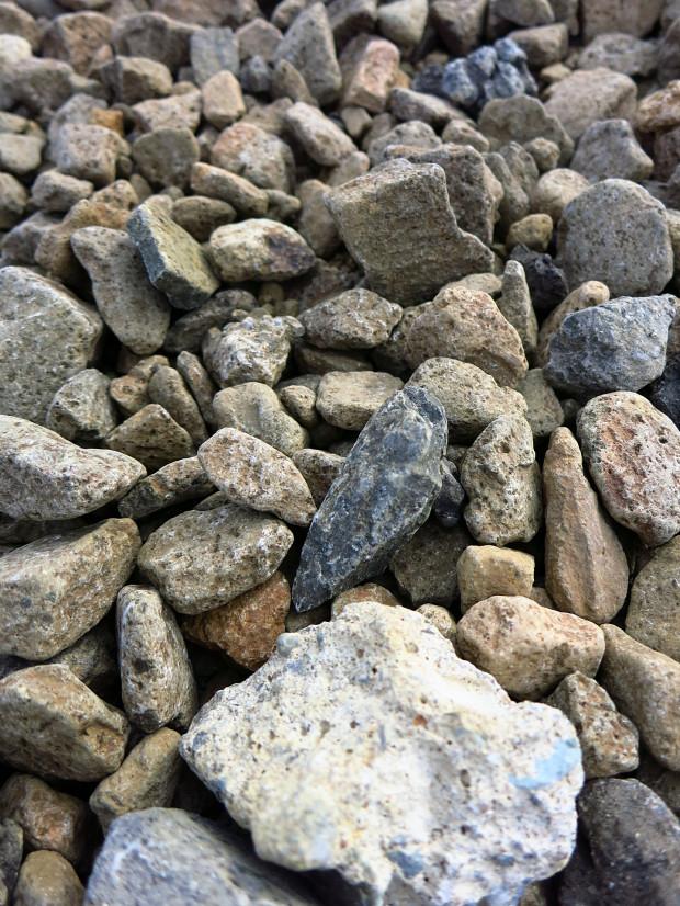 岩|石026