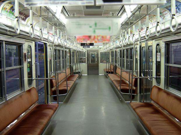 電車内||001