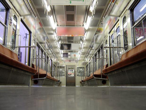電車内 002