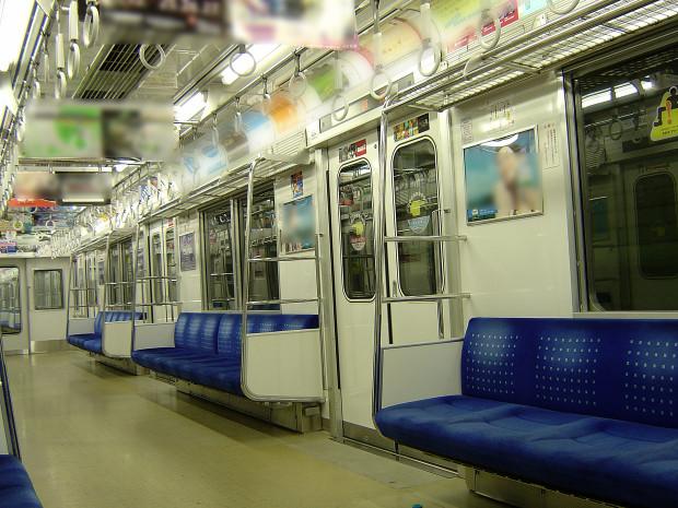 電車内|010
