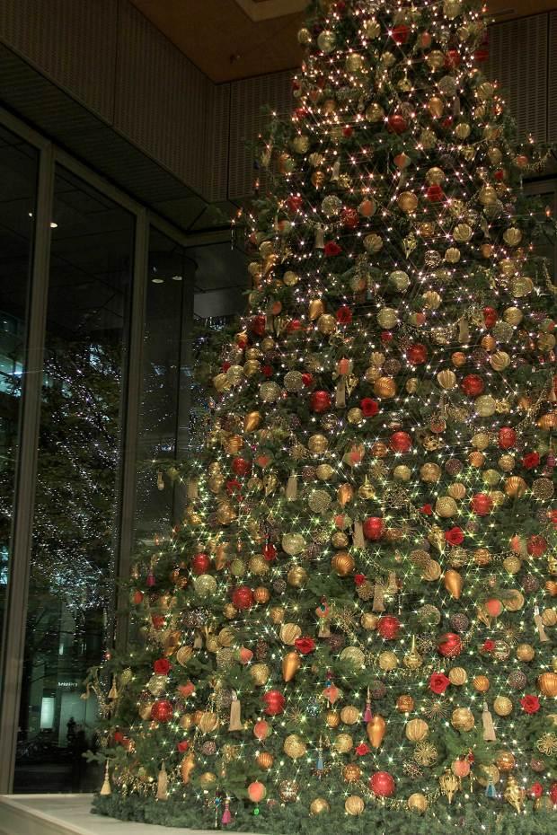 丸の内クリスマスイルミネーション|クリスマスツリー089